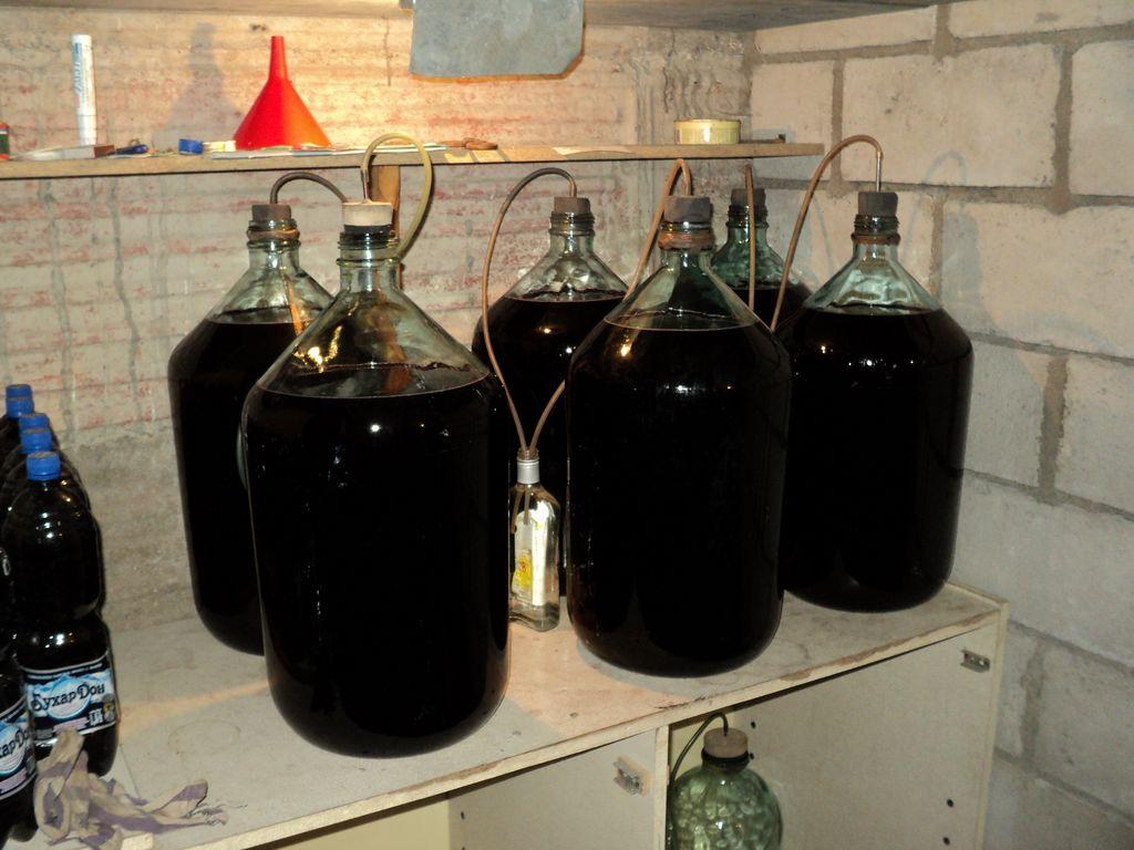 Приготовление вина по белому способу Емкость для вина
