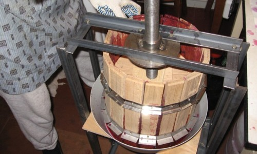 Самодельный пресс для отжима винограда